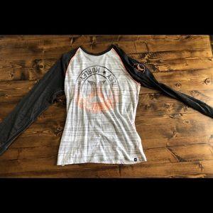 • Men's Hurley Shirt•